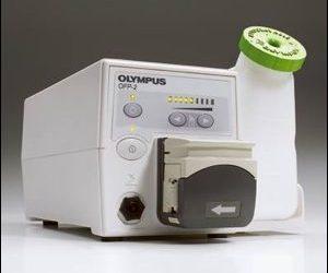 เครื่อง Flushing Pumps รุ่น OFP-2 ของโอลิมปัส ประกอบกับ Instrument Channel Adaptors รุ่น MAJ-1606